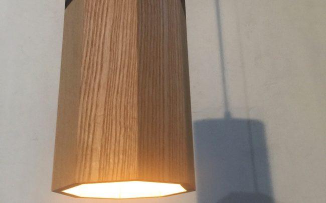 Lampada in legno PROMETEO prisma ottagonale - Fulcro Firenze