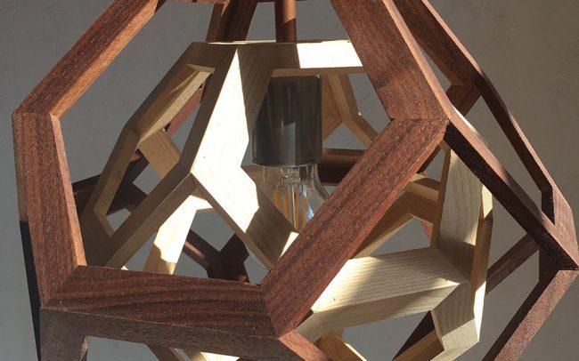 Lampada in legno TRAPPED solido platonico - Fulcro Firenze